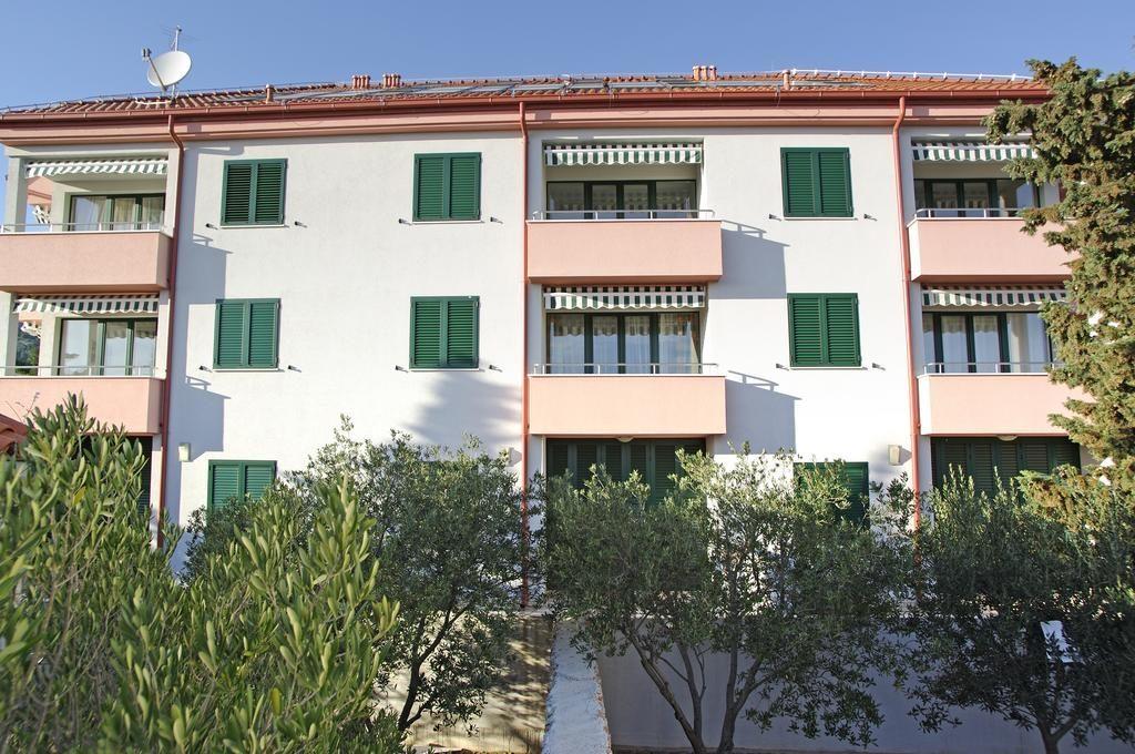 Apartmani Pinia Bol